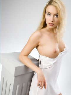 Блондинка с большой грудью и попой. Фото блондинок с большой грудью